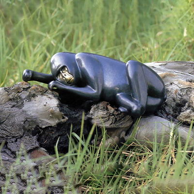 "Loet Vanderveen - GORILLA, RECLINING (182) - BRONZE - 14 X 5 X 11 - Free Shipping Anywhere In The USA! <br> <br>These sculptures are bronze limited editions <br> <br><a href=""/[sculpture]/[available]-[patina]-[swatches]/"">More than 30 patinas are available</a>. Available patinas are indicated as IN STOCK. All others must be ordered. Please call the galleries with special order details if not in stock."